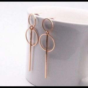 💥 3 for $23💥 Gold Circle Bar Drop Earrings